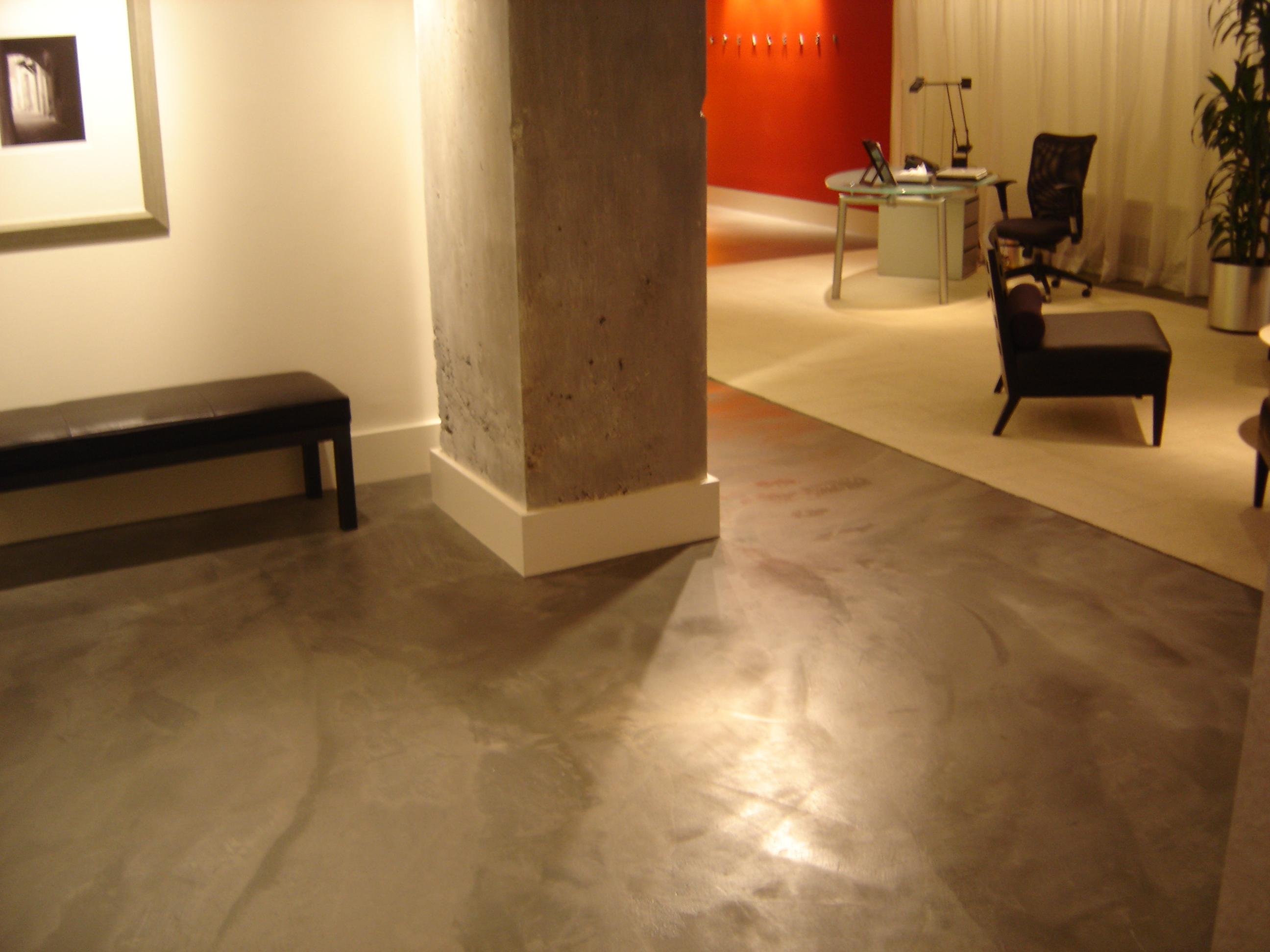 Que pintura necesito para pintar mi suelo pinturas coche for Suelos de cemento para interiores
