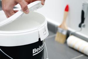 Aplicamos la pintura Lisomat Anticondensación