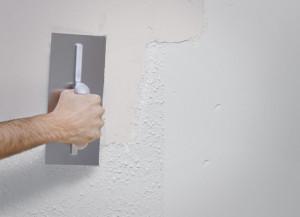 Aplicamos el Aguaplast Pro 6 Horas en la pared